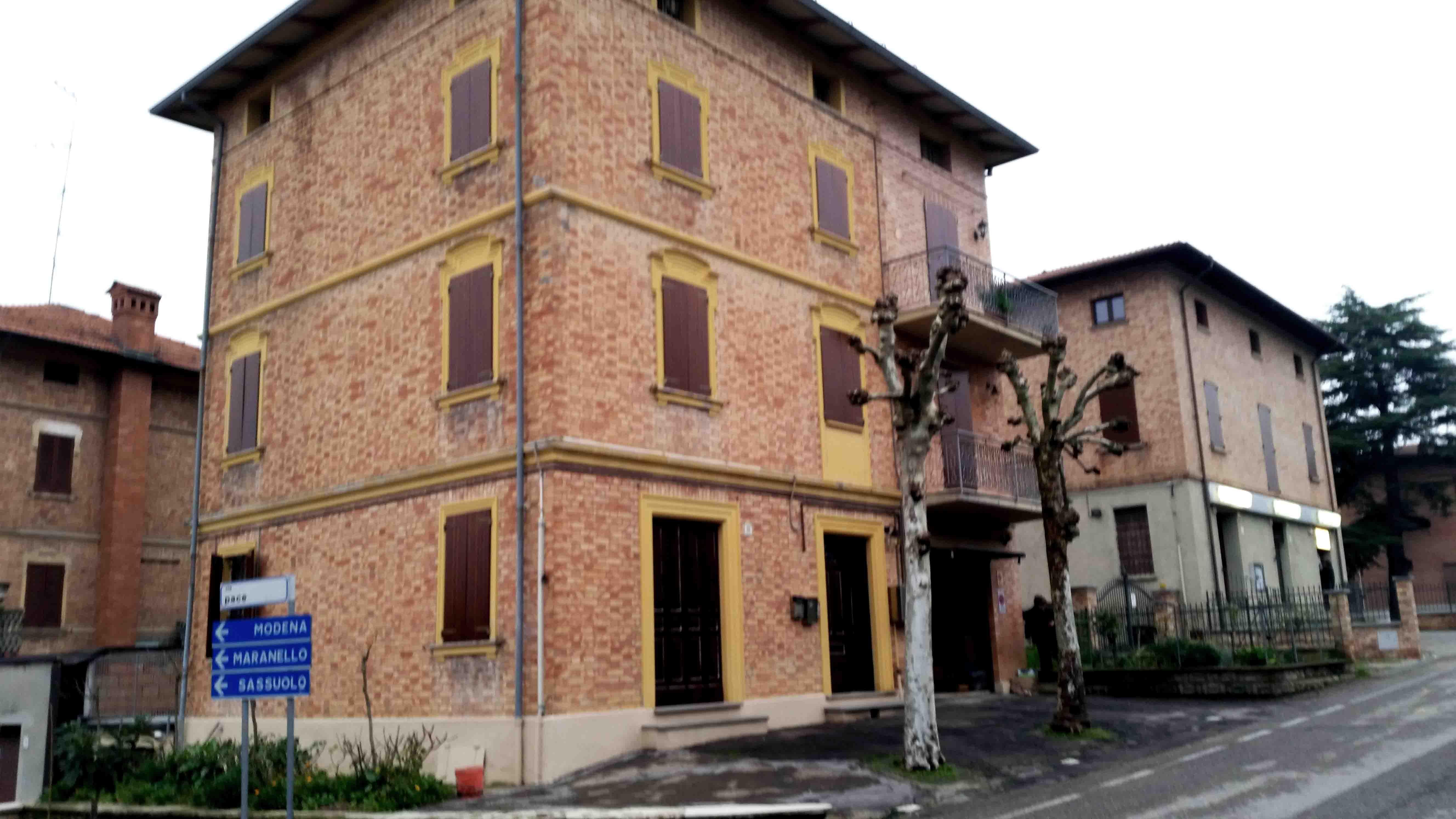 Restauro Infissi In Legno Bologna rigenera serramenti - sverniciatura e restauro con vernice